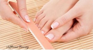 shaping of nails with nails file